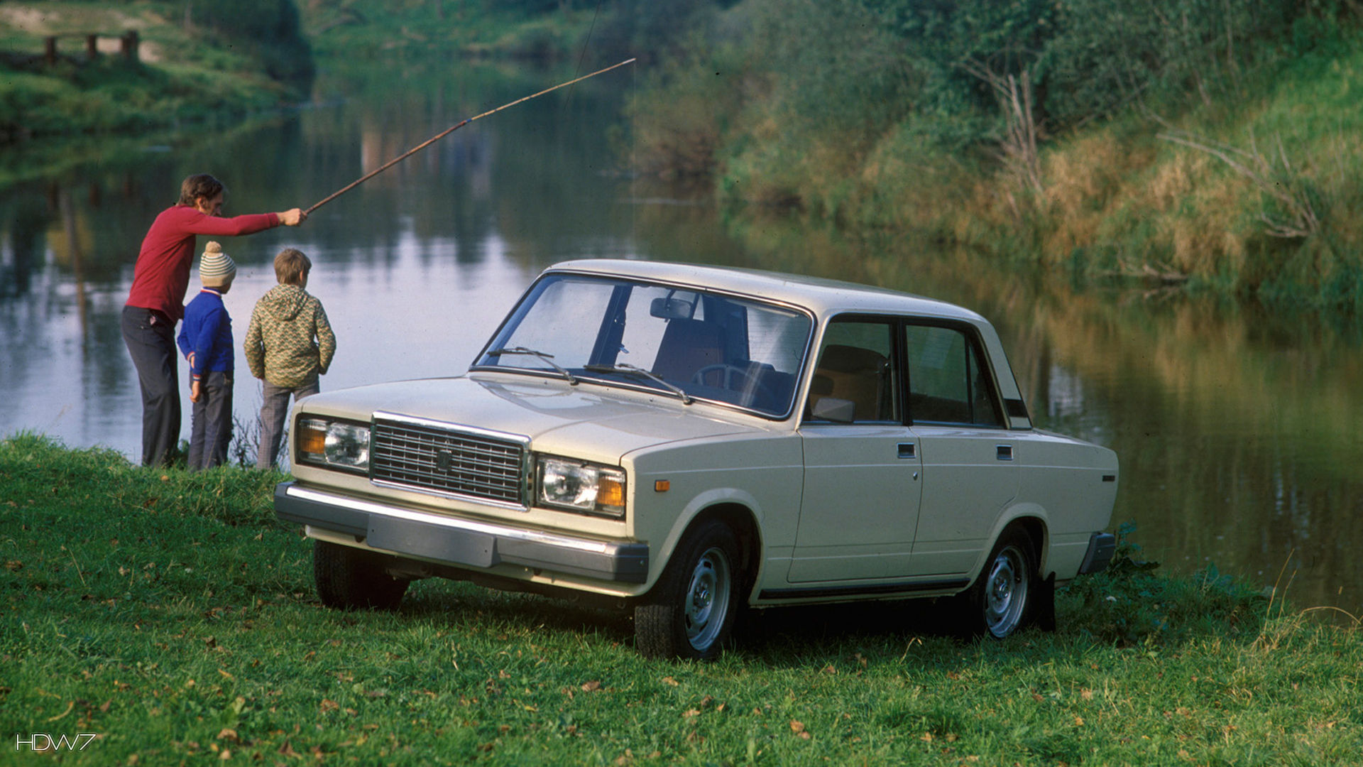 vaz 2107 1982 car hd wallpaper