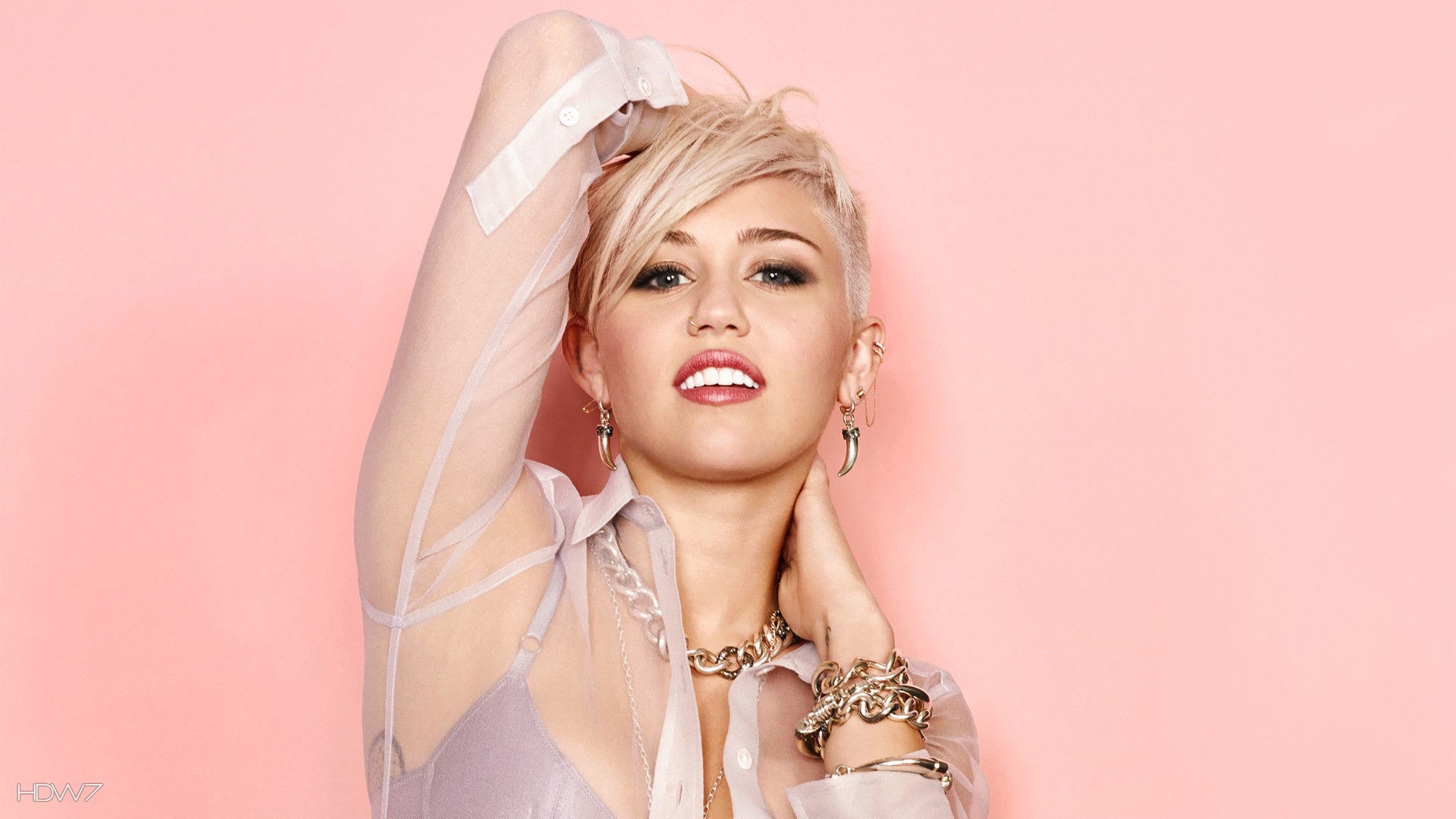 miley cyrus 2013 hd wallpaper