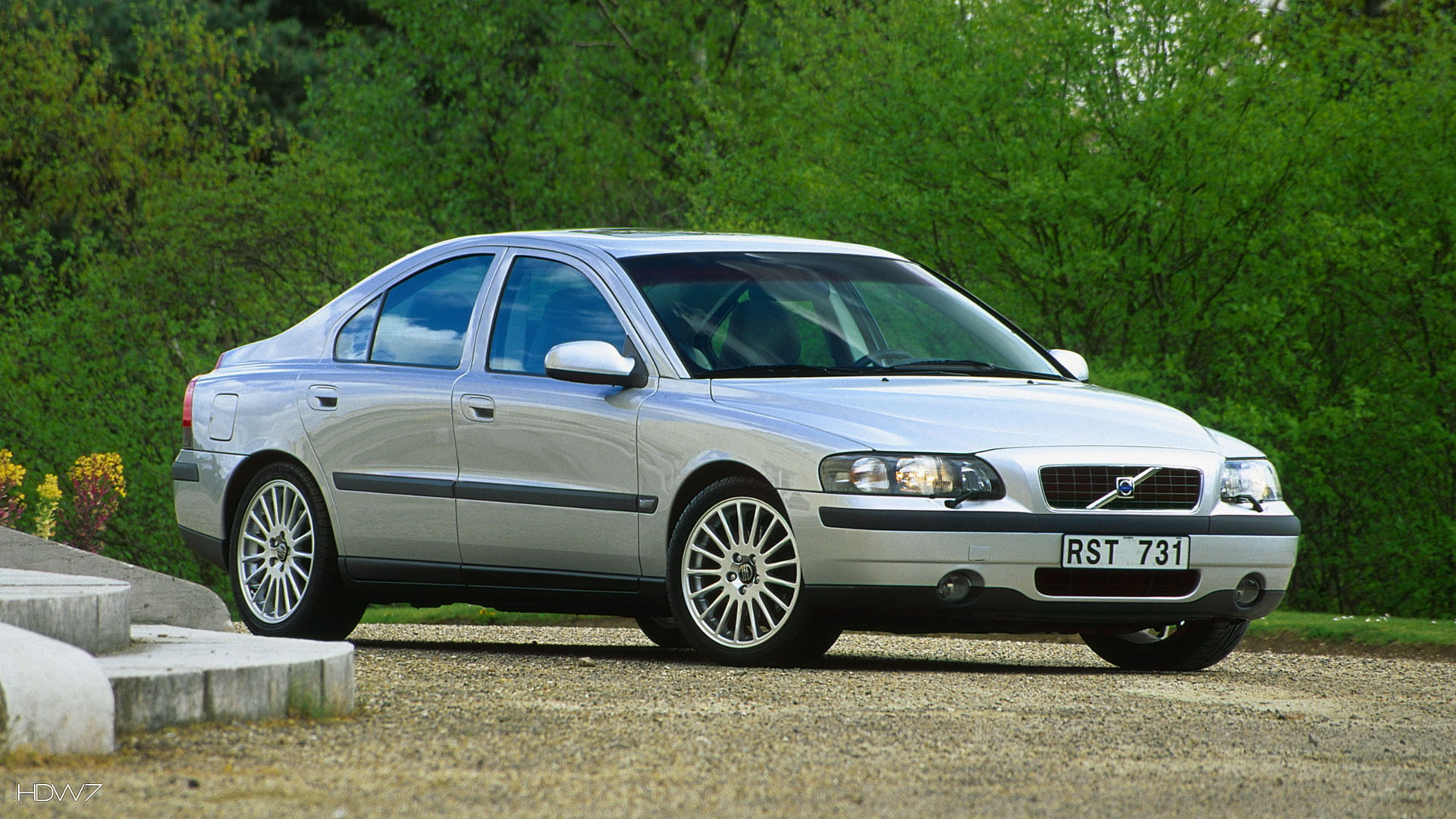 Volvo S60 2002 Car Hd Wallpaper on mercedes benz wolf 1993